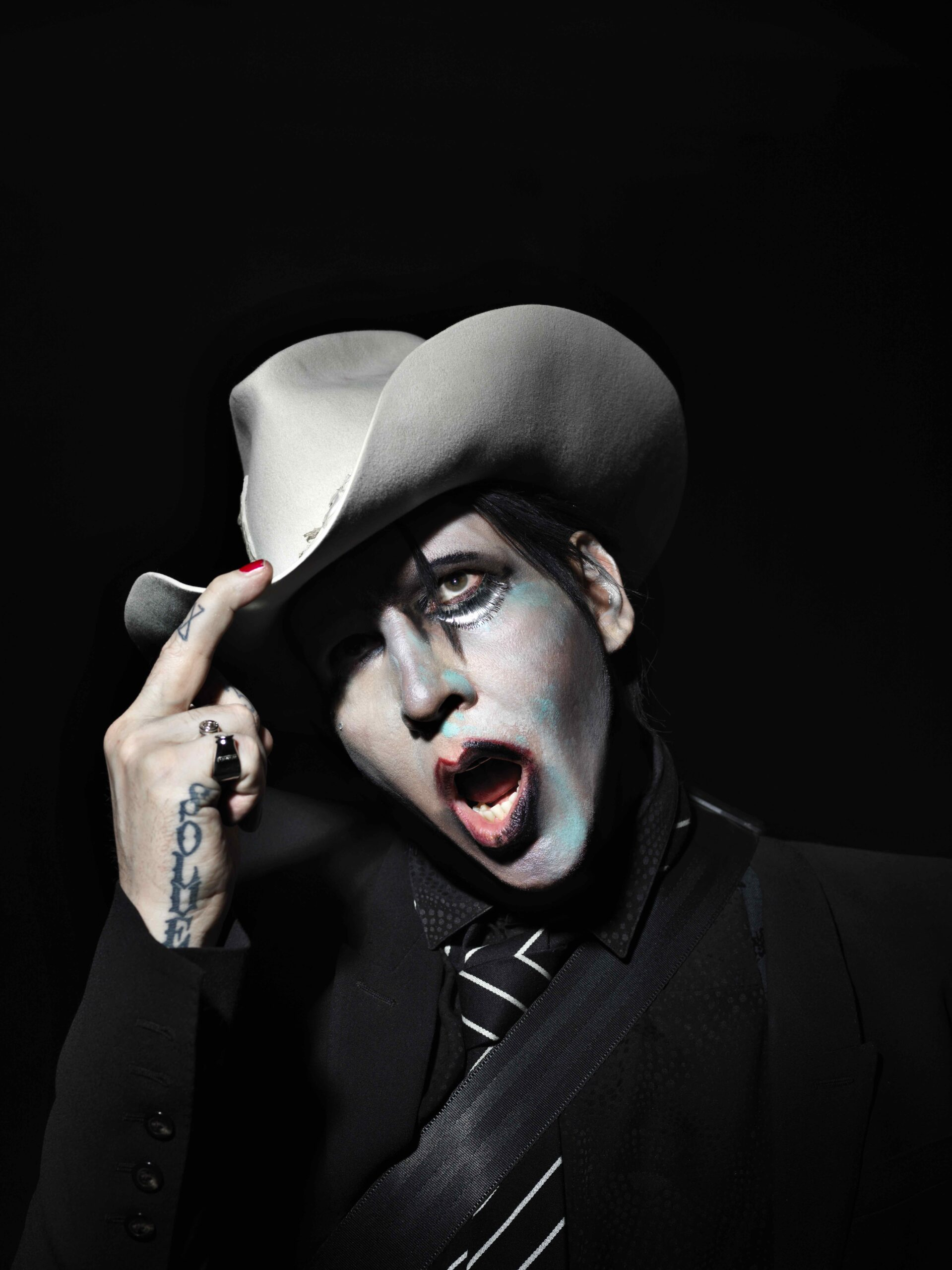 MARILYN MANSON  RETURNS WITH NEW ALBUM WE ARE CHAOS OUT SEPT 11 VIA LOMA VISTA   FIRST SINGLE, WE ARE CHAOS OUT NOW