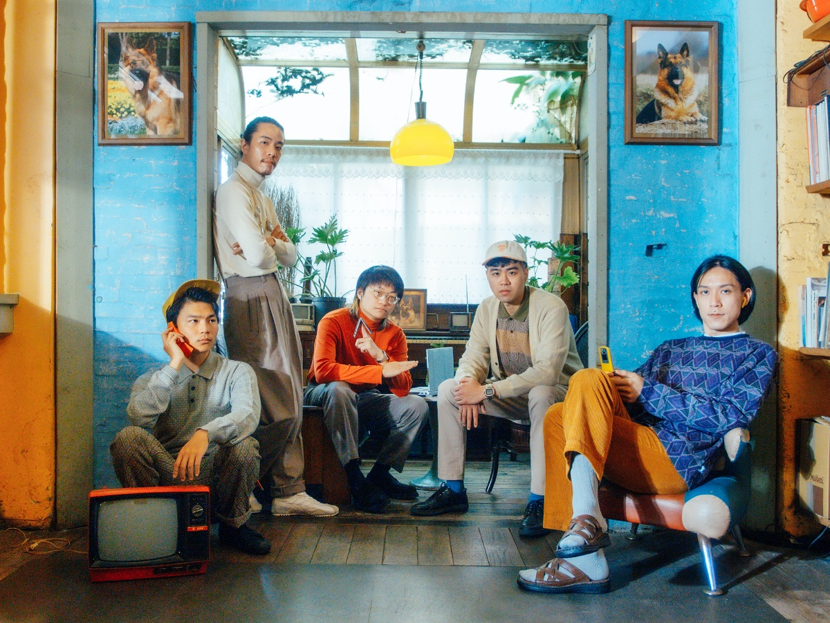 MEET SUNSET ROLLERCOASTER! LISTEN TO NEW SINGLE 'CANDLELIGHT (feat. OHHYUK)' OFF FORTHCOMING THIRD LP