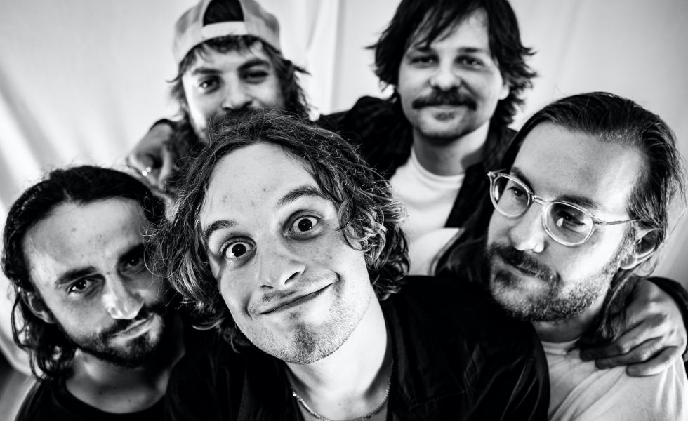 LOSER RETURN WITH NEW SINGLE 'UPSIDE DOWN' + VIDEO PREMIERING TONIGHT