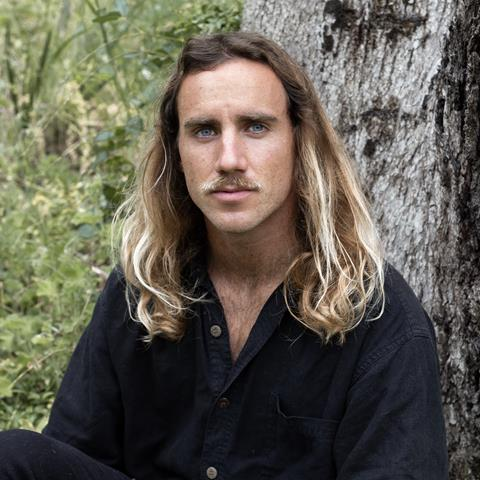 """MICHAEL DUNSTAN REVEALS HARMONY-DRENCHED NEW TRACK """"THE WIND BLOWS"""""""