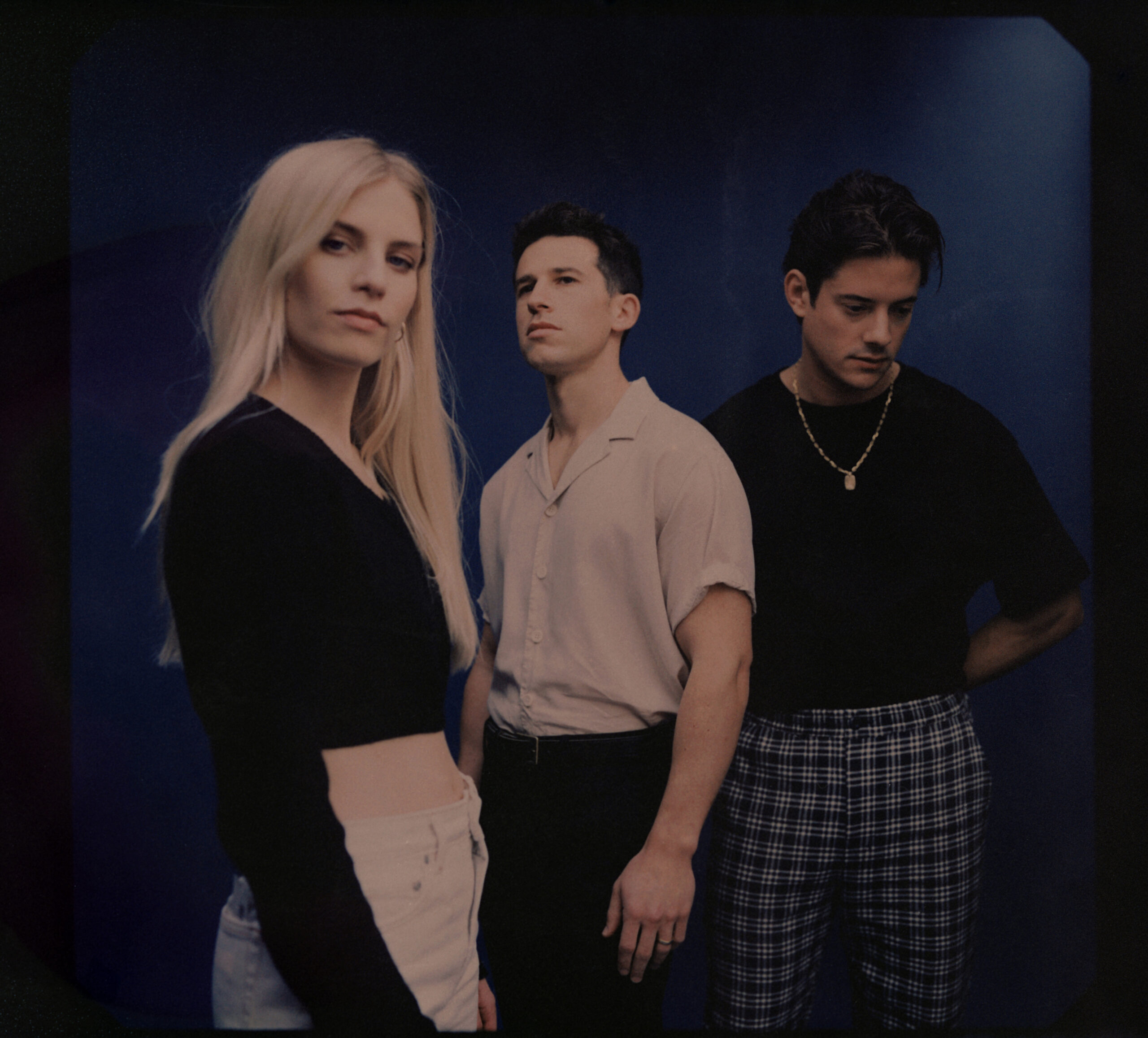 LONDON GRAMMAR RELEASE OFFICIAL VIDEO FOR 'HOW DOES IT FEEL' FROM THEIR FORTHCOMING THIRD STUDIO ALBUM 'CALIFORNIAN SOIL'