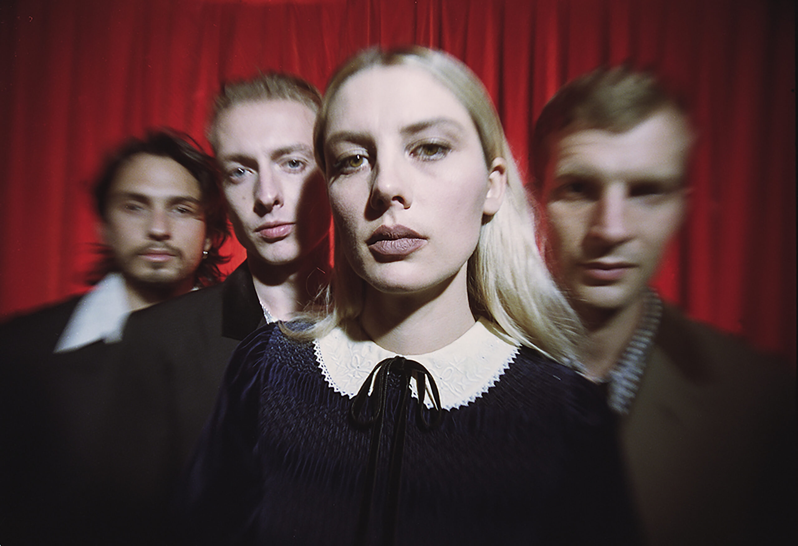 WOLF ALICE RELEASE NEW SINGLE 'SMILE' ALBUM BLUE WEEKEND OUT FRIDAY 11 JUNE 2021