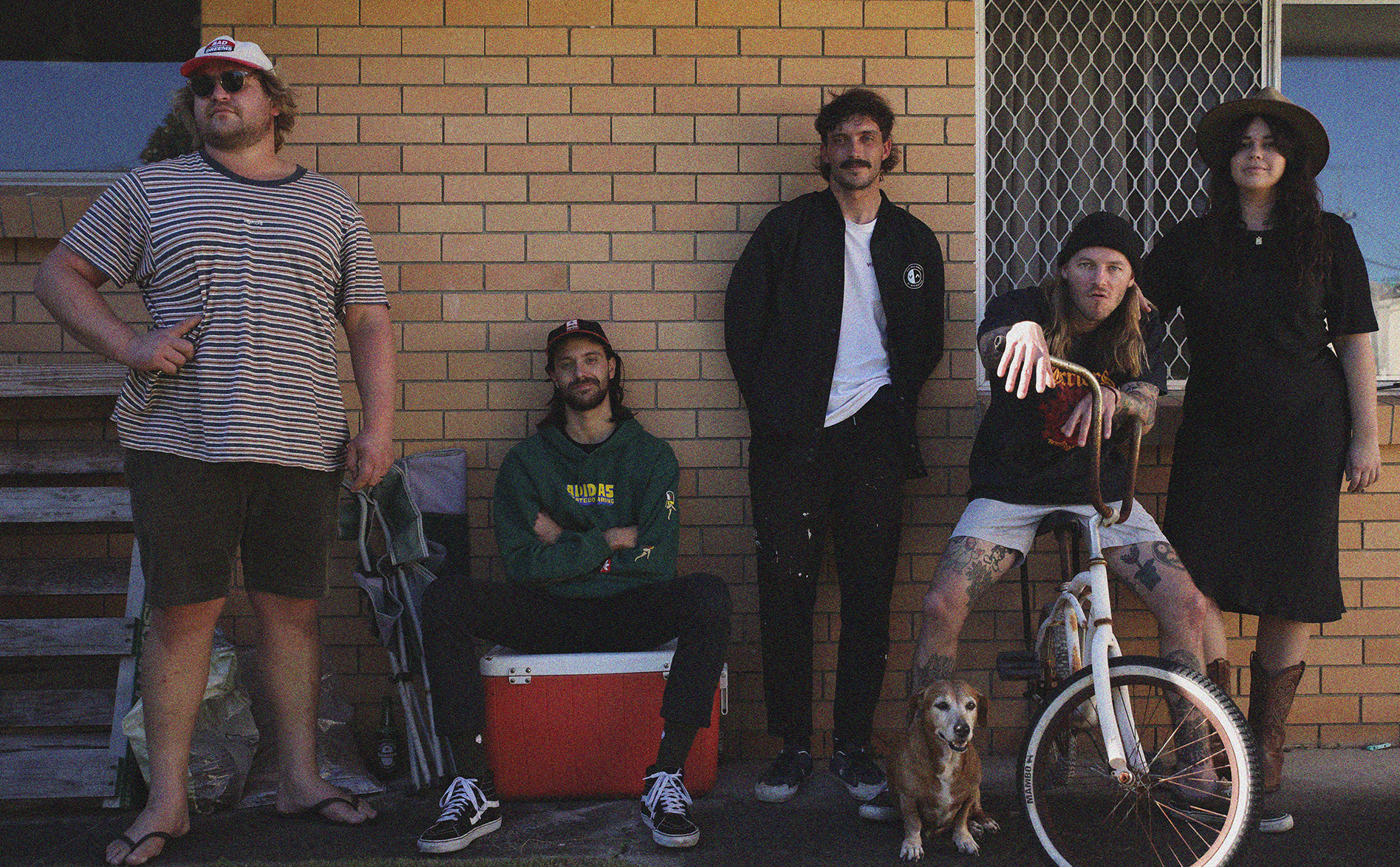 RADOLESCENT deliver another slice of classic punk surf-rock with new single 'Home'.  Sophomore EP 'EXCELLENT PEOPLE' out on Thursday, July 22.