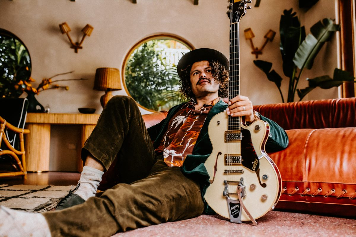 Ash Grunwald Announces New Album 'Shout Into The Noise' + New Single 'I Want You To Know' Out Now