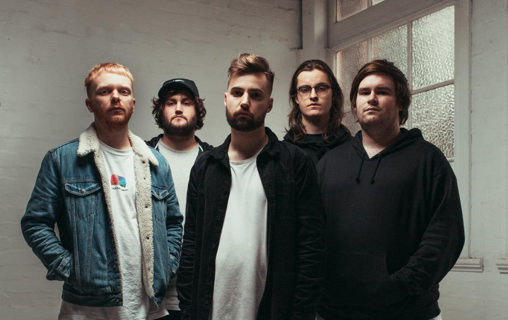 LUNE DROP DEBUT SINGLE & VIDEO 'GHOST', ANNOUNCE LAUNCH SHOW