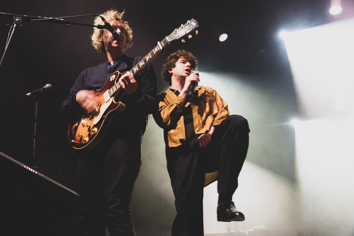 The Kooks Play To A Sweat Drenched Crowd At Festival Hall!